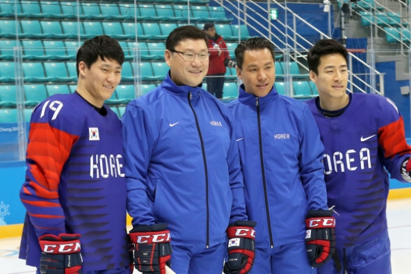 [PyeongChang 2018] Men's hockey coach reminds players 1st Olympic match 'just another game'