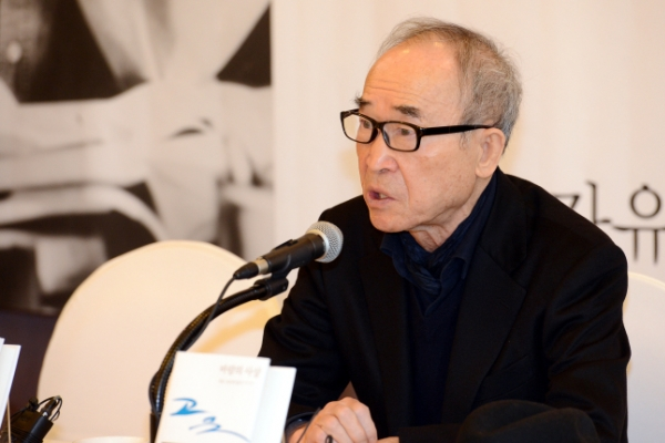 [Newsmaker] Poet Choi Young-mi reaffirms sexual harassment allegations denied by Ko Un