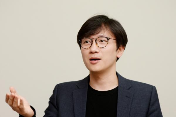 [Herald Interview] 'Korea should apologize, launch probe into Vietnam War massacres'