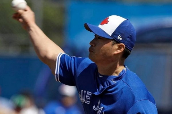 Oh Seung-hwan pitches perfect inning in debut for Blue Jays