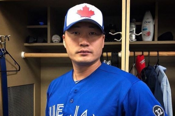 Blue Jays' Oh Seung-hwan tosses scoreless inning in relief