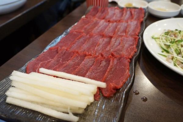 [Epicurean challenge] Step above steak tartare, yuksashimi