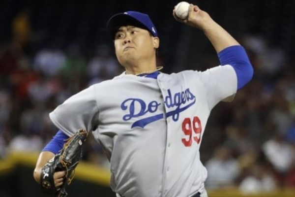 Dodgers' Ryu Hyun-jin picks up 1st win of '18