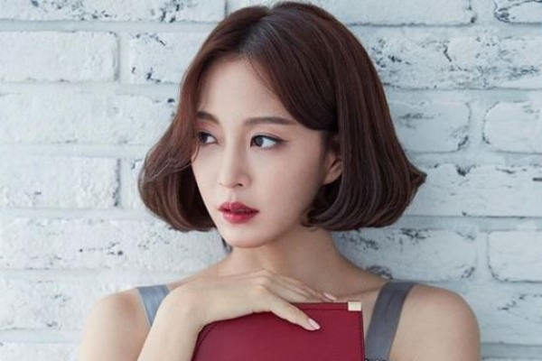 Doctor who performed lipoma procedure on actress Han Ye-seul admits fault