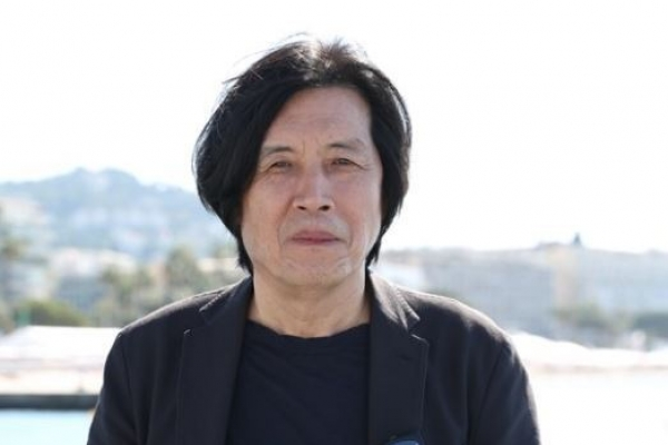 [Herald Interview] Lee Chang-dong throws questions, not messages, with his films
