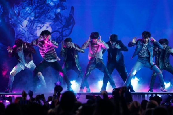BTS snatches No. 1 on Billboard 200, first time for Korean artist