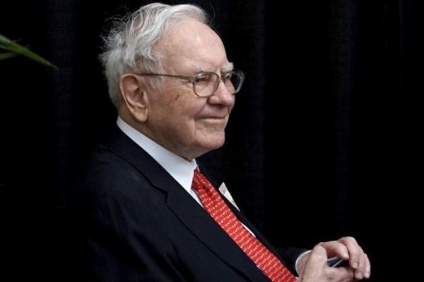 The price for lunch with Warren Buffett: $3,300,100