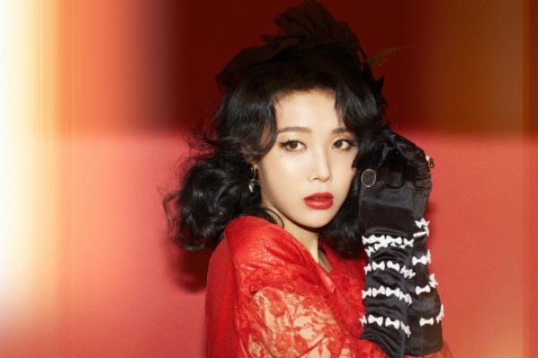 'If Wonder Girls' music was red, mine is blue,' says Yubin