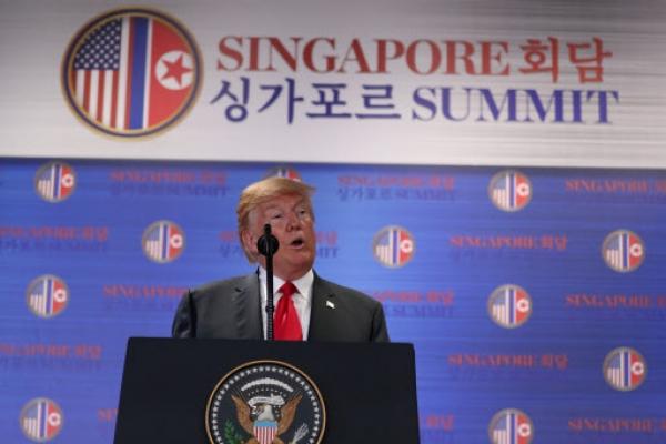 [US-NK Summit] Trump hails Kim Jong-un for taking 'bold' step