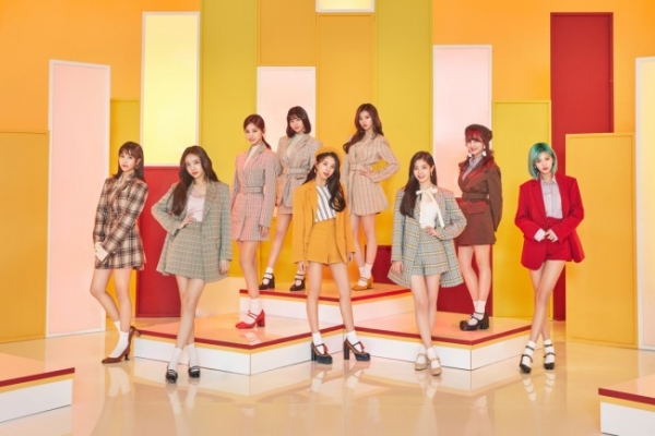 Twice to drop first Japanese full-length album in September
