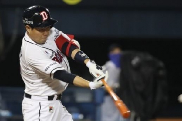 Batting average leader tops All-Star voting in Korean baseball