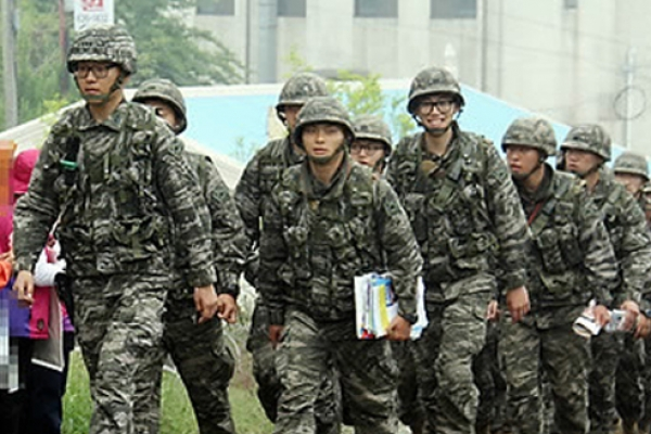 [Newsmaker] Constitutional Court's ruling on alternative service prompts debates over homosexuality in military