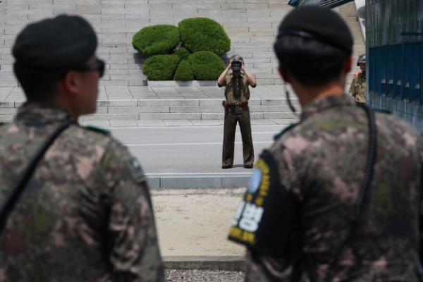 [Newsmaker] Soaring land prices could prevent possible troop withdrawal from DMZ