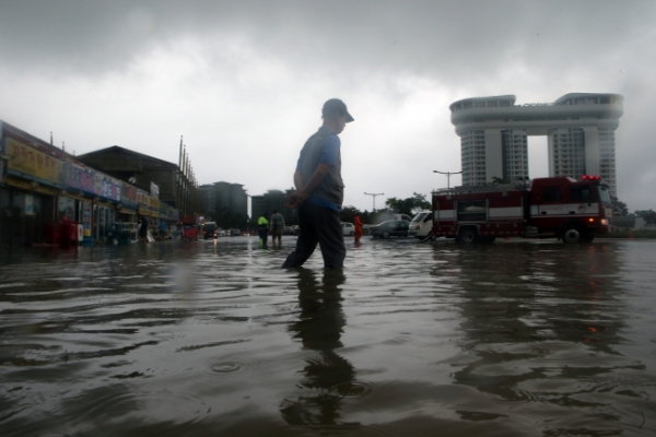 [Photo News] Heavy rain wreaks havoc in Gangwon Province