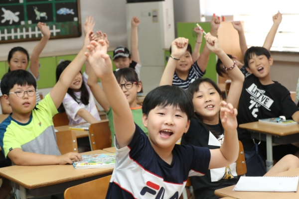 Seoul education board recommends delaying new semester amid hot weather