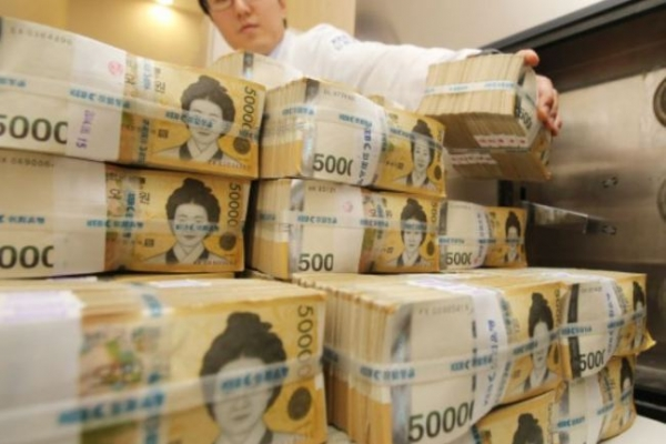 Commercial banks' overseas profit likely to hit record this year