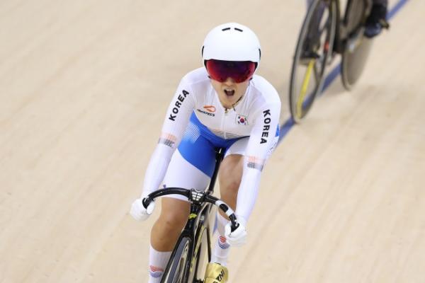 S. Korean cyclist Lee Hye-jin wins silver in women's keirin