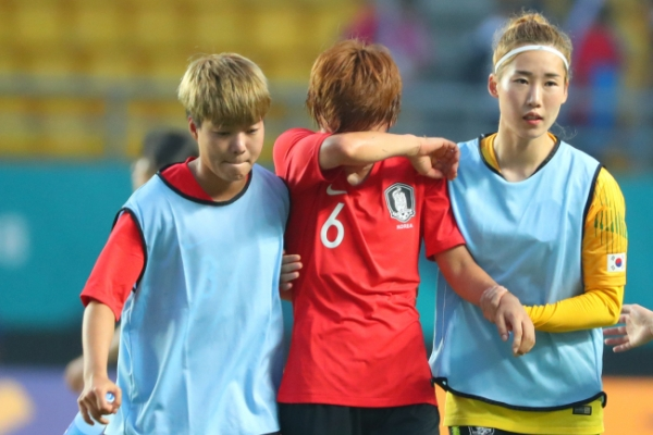 S. Korea fall 2-1 to Japan in women's football semifinals
