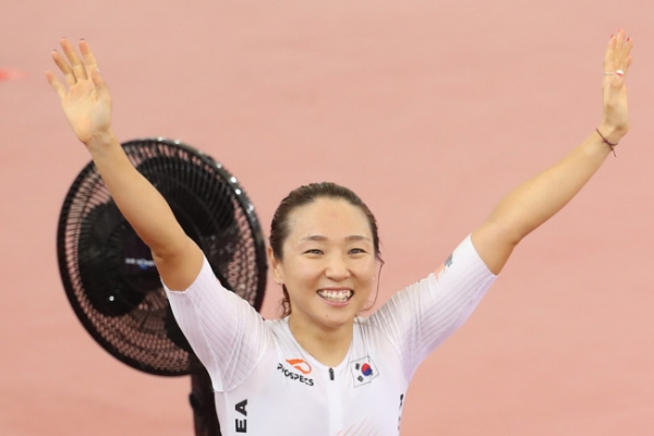 Even with 3 gold medals, S. Korean cyclist hungry for more
