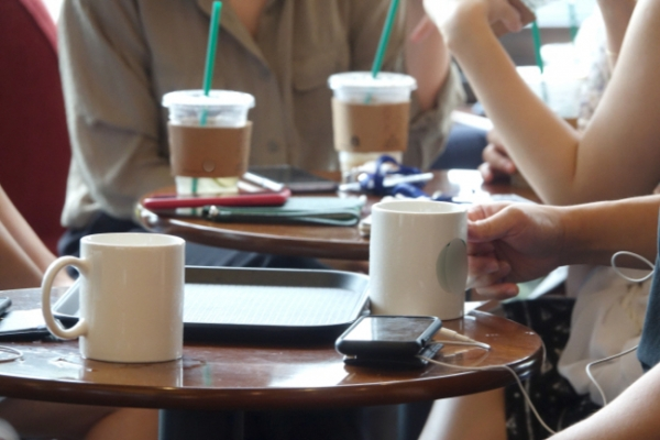 [Newsmaker] Korea aims for 'zero' use of plastic cups, straws at coffee shops by 2027