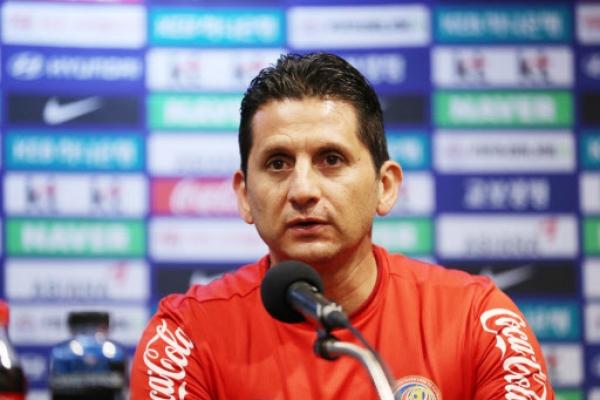 Costa Rica football coach expects tough friendly vs. S. Korea
