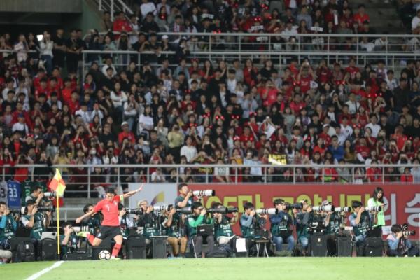 S. Korea blank Costa Rica 2-0 in Bento's coaching debut