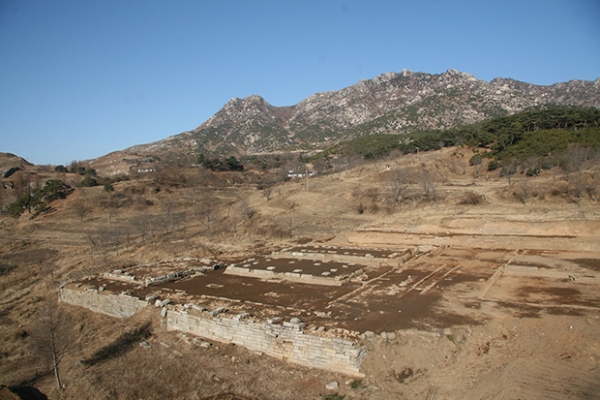 Koreas to restart joint excavation of historic palace site in Kaesong
