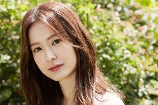 Actress Jung sparks controversy over feminist film