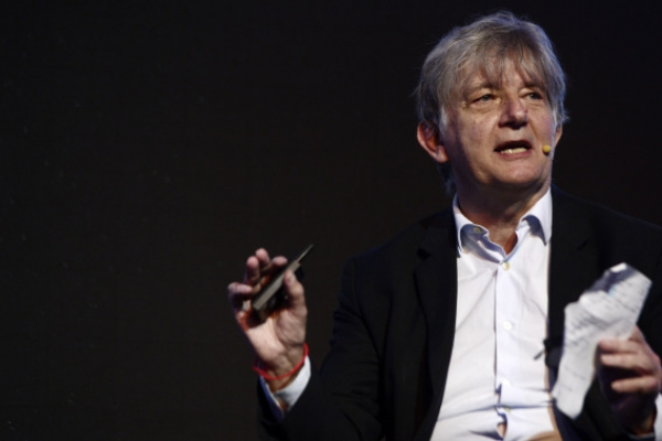 [Herald Design Forum 2018]'Designers' new role is to ask questions about new frontiers of existence'
