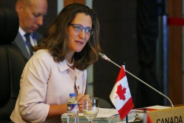 US, Canada hold last-minute NAFTA talks as deadline looms