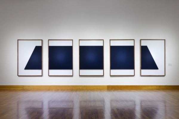 Approaching minimalism with current perspectives