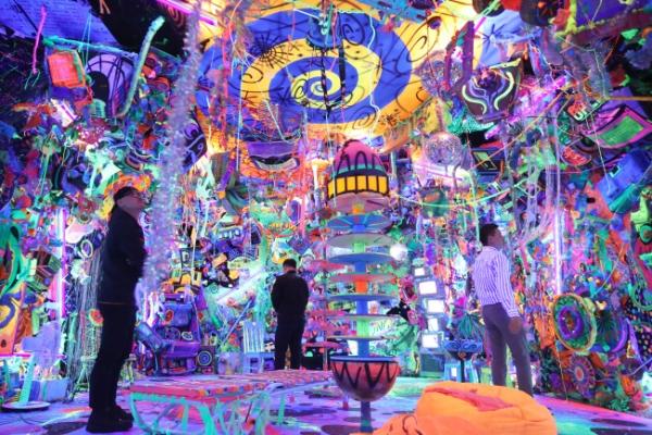 Pop artist Kenny Scharf brings visual chaos to Seoul