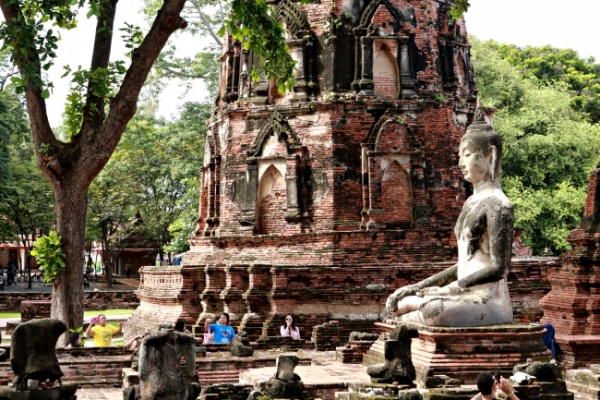 Vestiges of melting pot in fallen city Ayutthaya