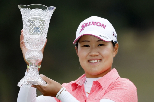 Local favorite Nasa Hataoka fires 67 to win Japan Classic