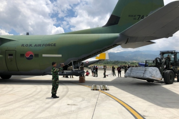 Korea to re-send military cargo jet to quake-hit Indonesia