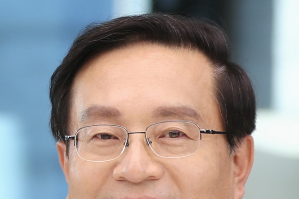 Woori Bank CEO tapped to head holding firm
