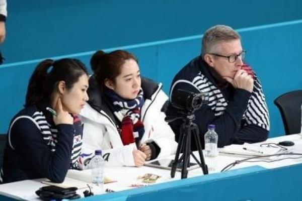 Team Kim's Canadian coach backs curlers' abuse claims