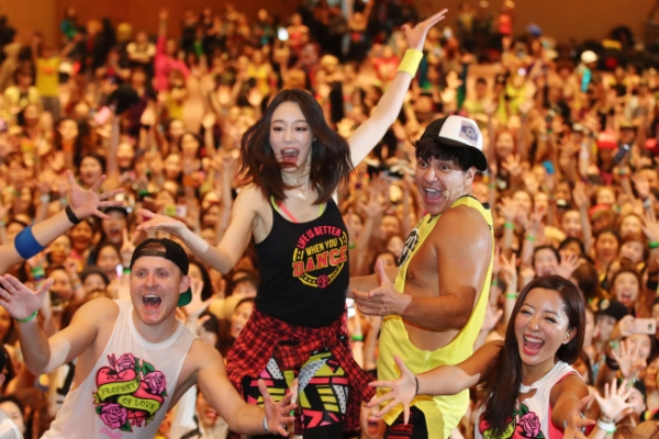 [Photo News] Zumba enthusiasts heat up Kintex