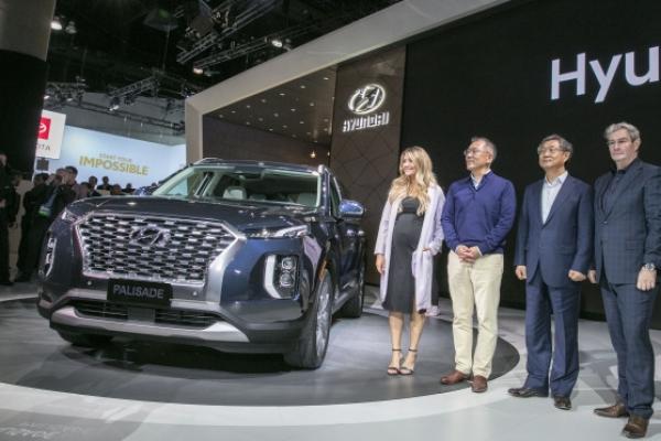 Hyundai heir tightens grip with massive executive reshuffle