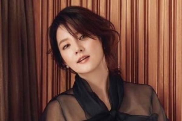 Actress Lee Young-ae to join consortium to take over hospital