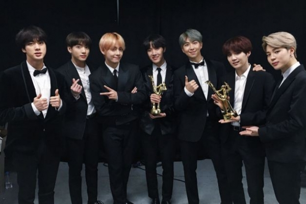 BTS shares the honor of awards with Army