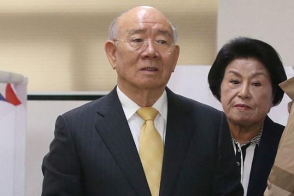 Majority of Koreans oppose ex-President Chun Doo-hwan's interment at National Cemetery: poll