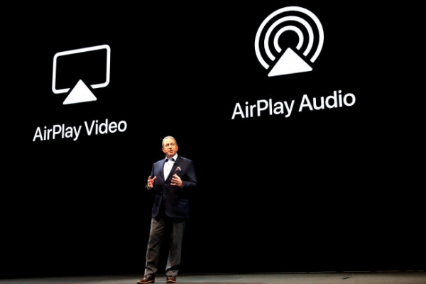 [CES 2019] LG to equip AI TVs with Apple's wireless streaming service
