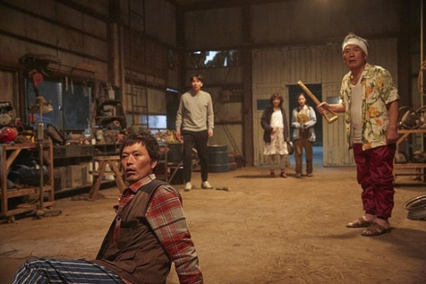 'Odd Family' a rare zombie comedy with veteran actors