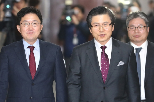 [Newsmaker] Ex-prime minister joins main opposition party, distances himself from ousted former president