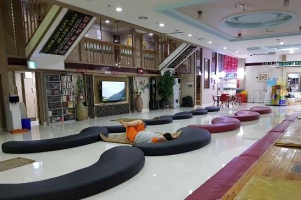 Three jjimjilbang reject teens after Gangneung accident