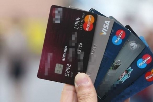 Credit card firms bet on digital switchover, big data for survival