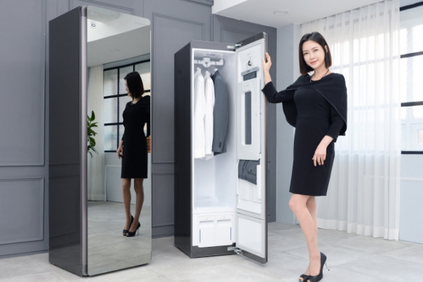 [Photo News] Newest hightech closet