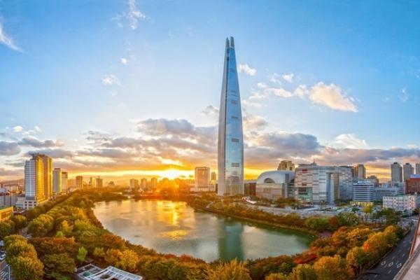 Korea's Hanwha Group, Hana Financial compete for Lotte Card