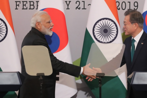 Korea, India agree to strengthen defense cooperation, economic ties